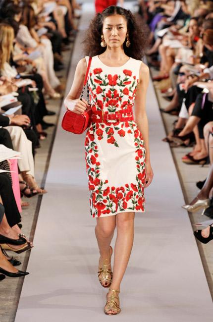 какие платья в моде весной